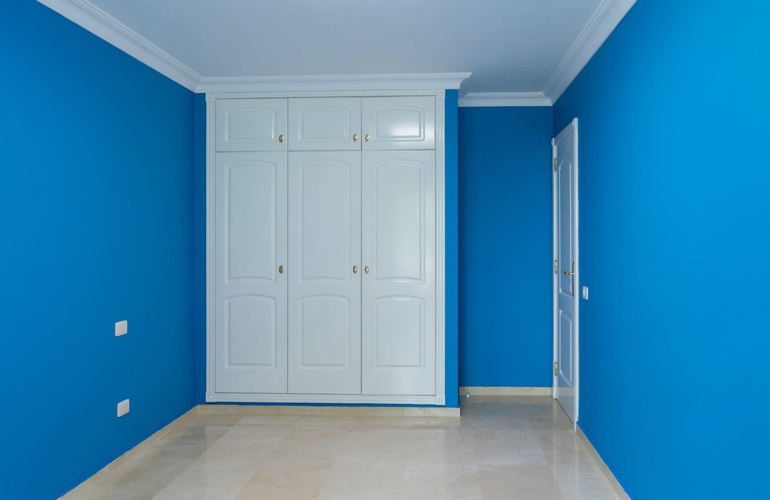 indendørs malerarbejde efter billede